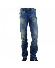 Dans les jeans Levis homme pas cher, ce modèle 506